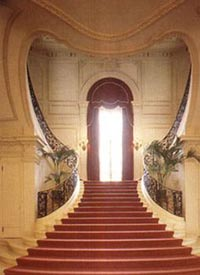 Sweetheart Staircase Rosecliff